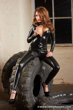 Pictures Of A Sexy Redhead In Wearing Black Latex